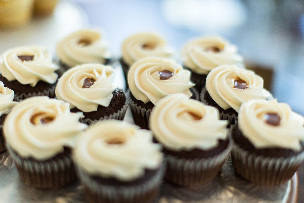Amy's Cupcake Shoppe | Ashley Elwill Photography.4