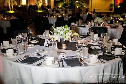 Unique Finding the Right Napkin for Your Wedding | Sixpence Events KK85