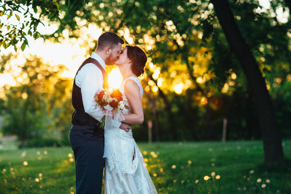 Mark Fierst Minneapolis Photography | Sixpence Standard Blog Post | golden hour photo in the park