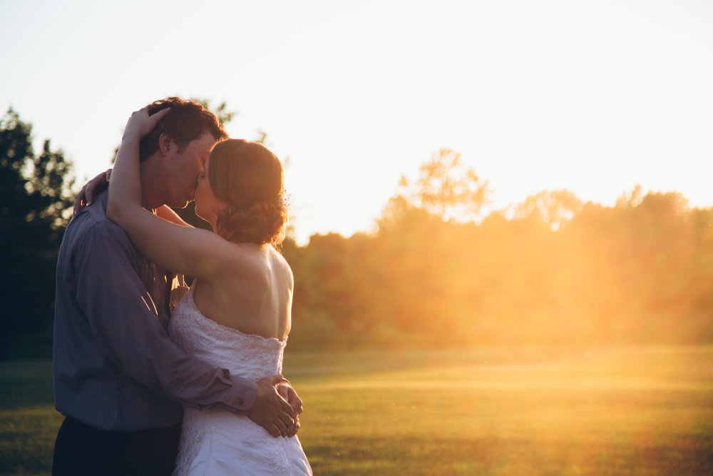 Mark Fierst Minneapolis Photography | Sixpence Standard Blog Post | golden hour photo wedding