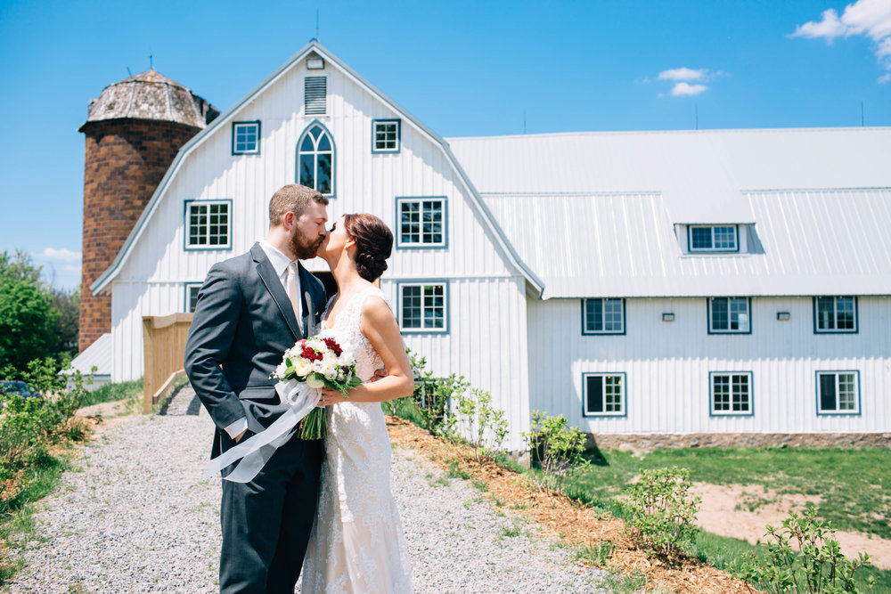 Mark Fierst Minneapolis Wedding Photographer | Sixpence Standard blog post | Bloom Lake Barn in Shafer, MN