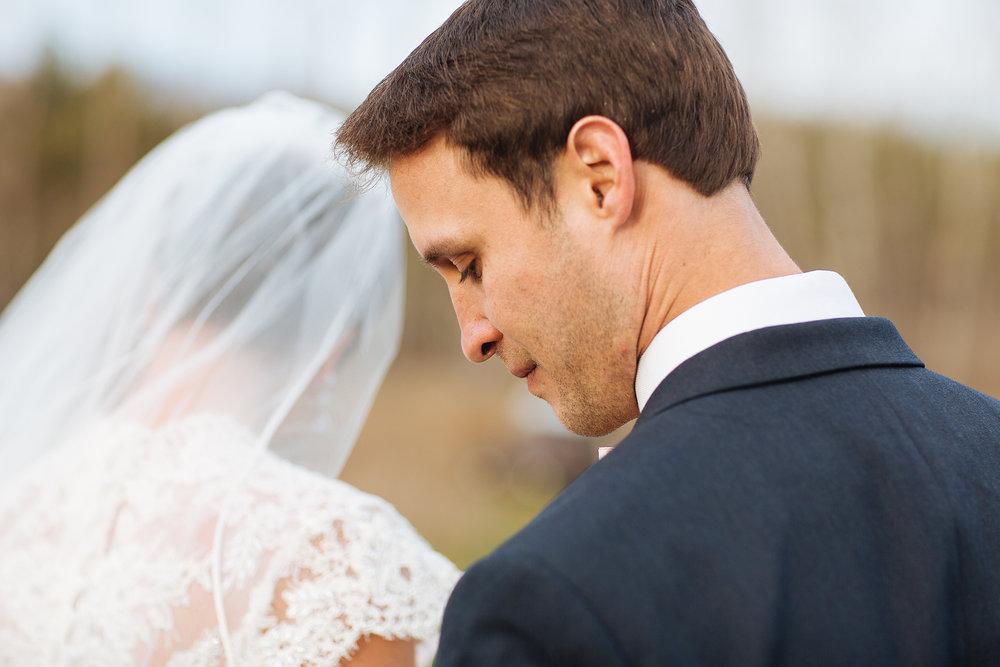 Alyssa Lee Minneapolis Wedding Photographer | Sixpence Standard wedding blog | bride and groom photo highlighting the groom