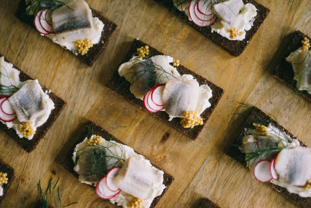 Canapes | Wedding Appetizer Ideas | Photo by Jaimee Morse | Quince wedding caterer | Wedding blog by Sixpence Events