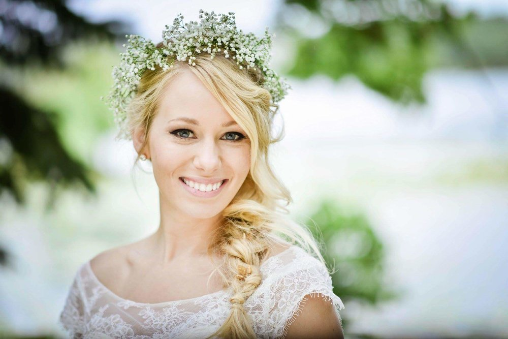Minneapolis wedding photographer Gretchen Burkhart | Amber Budd Skin Mpls | Queen Anne's lace crown | bridal braid