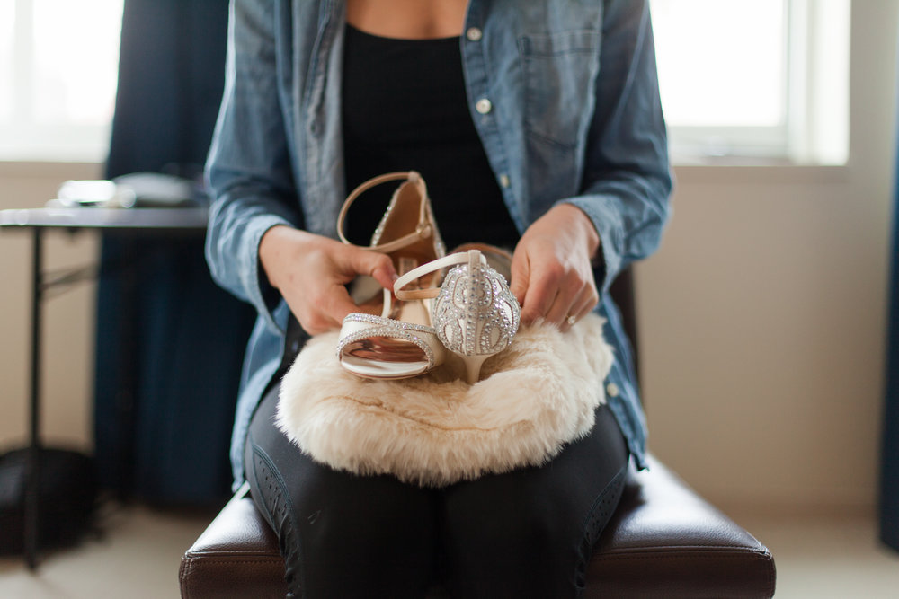 Badgley Mischka heels with fur wrap and denim top | Jessa Anderson Photography | Sixpence Events & Planning | wedding blog | winter wedding