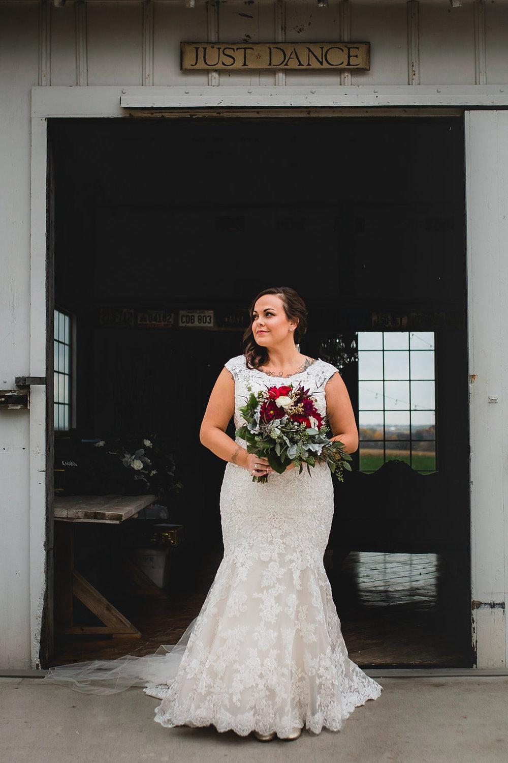 Leslee & Billy | Legacy Hill Farm Wedding | Aqua Fox Photography | A Vintage Touch Wedding Planning | Sixpence Events & Planning day of coordinating | bridal portraits | bride with curves