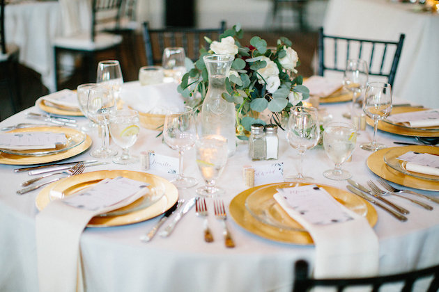 gold charger with ivory linens | round tables of 8 | Nicole + Luke | Villa Bellezza | Kristina Lorraine Photo37.jpg