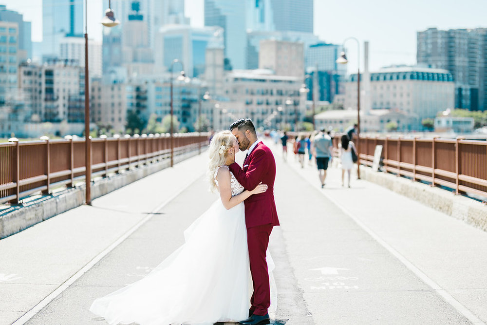 Marvin + Eloise // Aaron T Photography // Nicollet Island Pavilion // Mintahoe // Stone Arch Bridge // Minneapolis