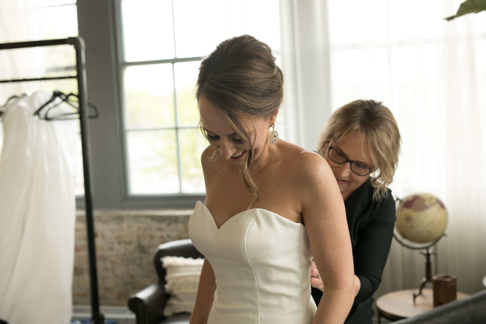 36Alice HQ Photography - Machine Shop Minneapolis - Sixpence Events and Planning wedding planner.JPG