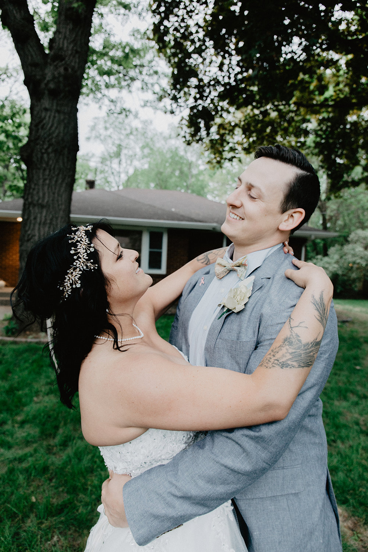 bride and groom portraits :: Alex + Lisi :: backyard Minnesota wedding :: Mads Lizotte photography :: Sixpence Events48.jpg