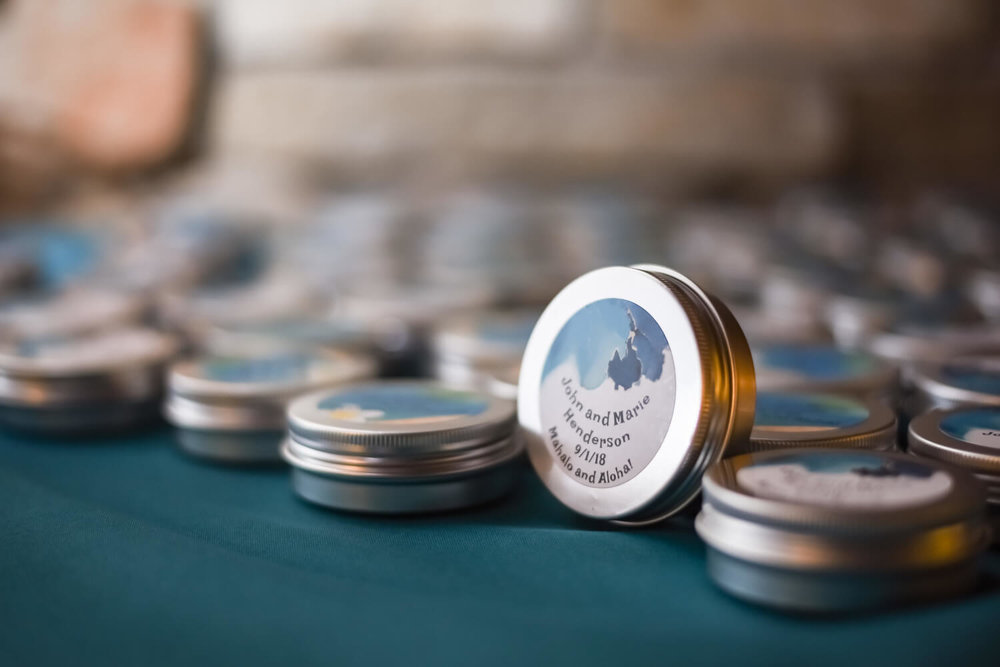 K Solberg Photography | Elm Creek Chalet | Minneapolis day of coordinator Sixpence Events | wedding favor candy tin with custom sticker
