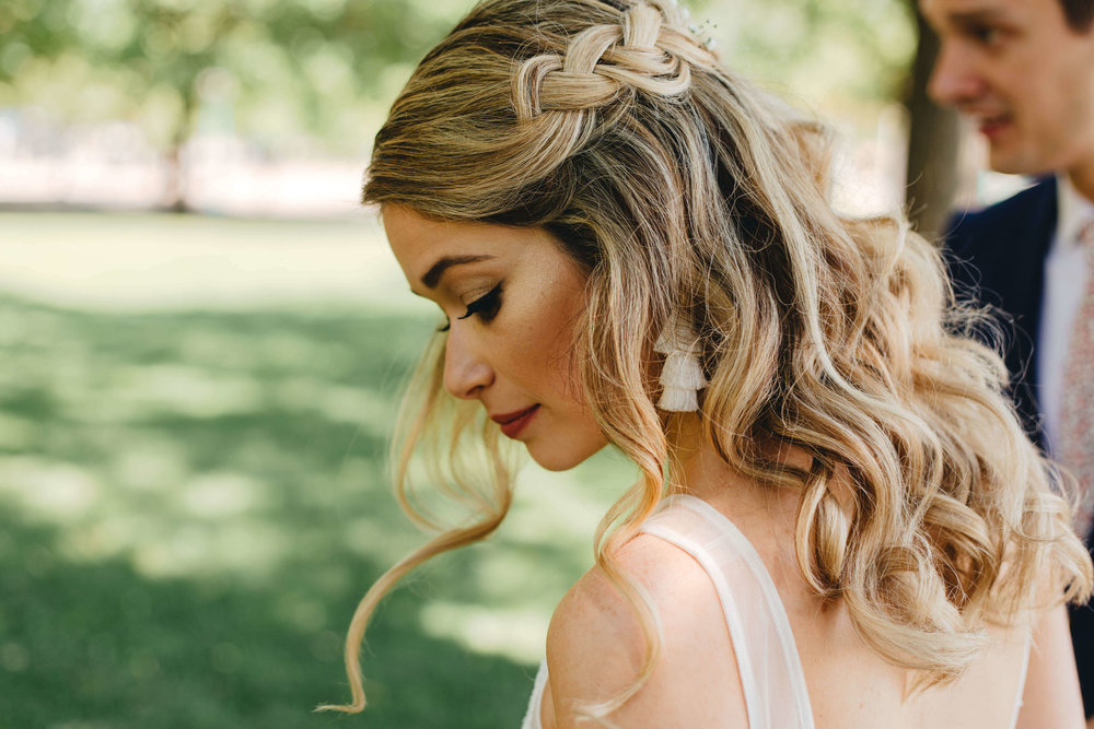 Roy Son Photography | Raspberry Island and Octo Fish bar | Minneapolis wedding planner Sixpence Events | bridal braid and loose waves