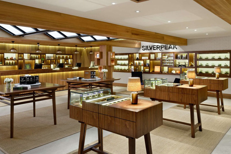 Silverpeak Apothocary, Aspen, CO  Photographer :  Michael Brands