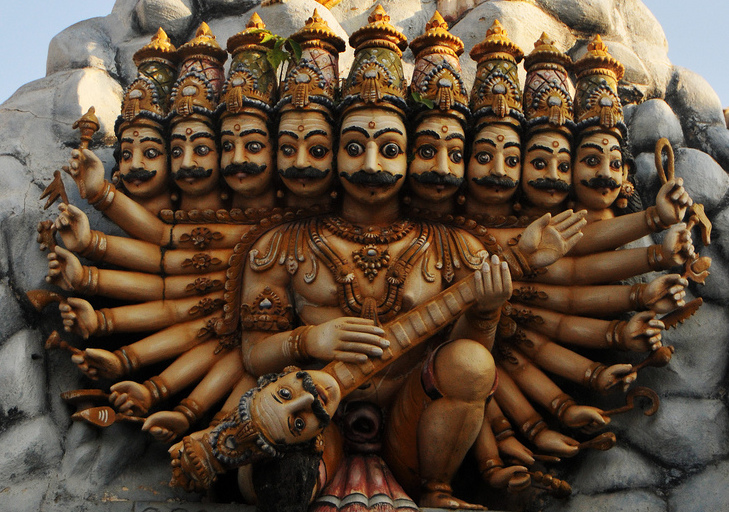 The multi-headed Ravana, king of Lanka (clip of a photo by Gane Kumaraswamy, from Wikimedia Commons)