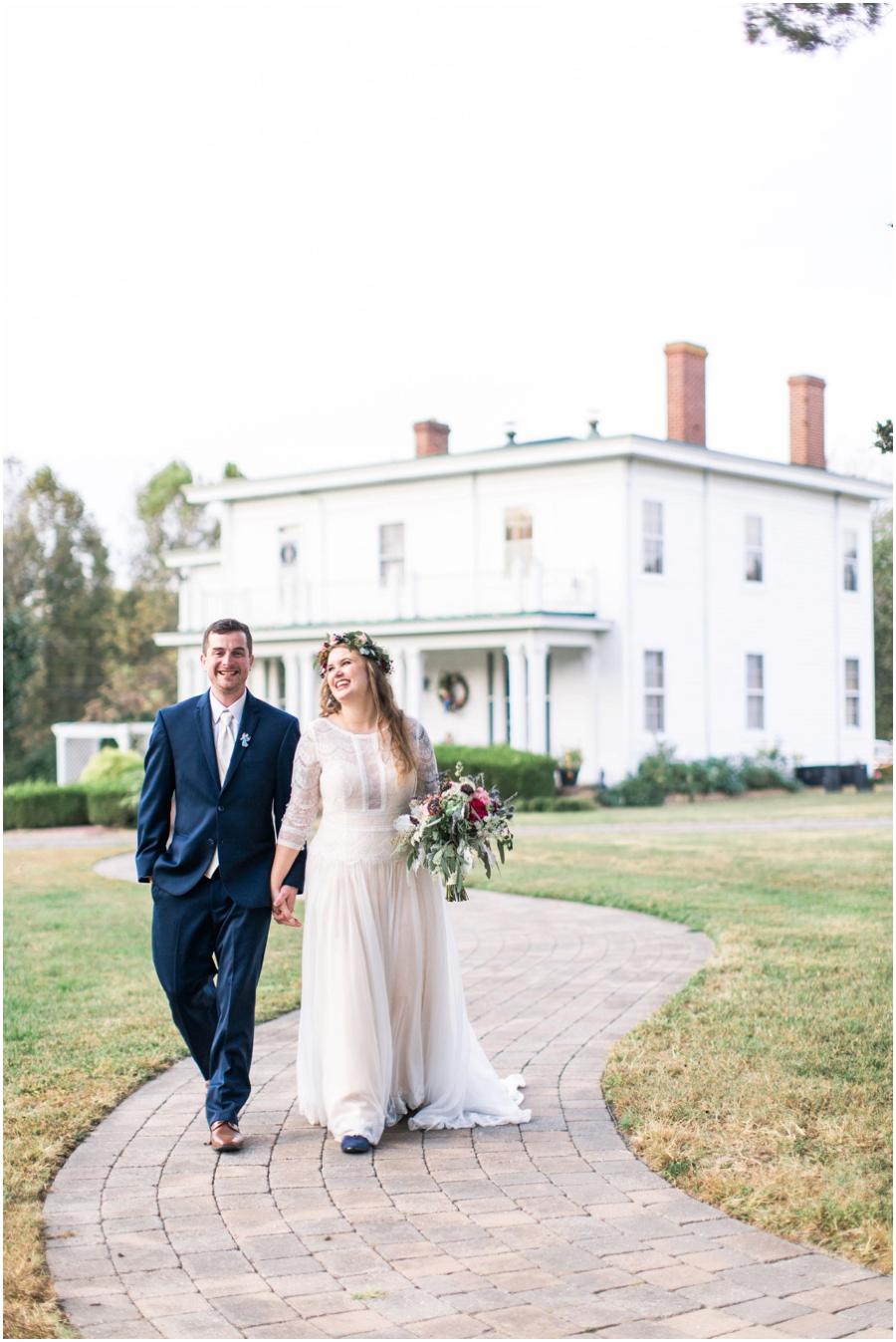 You can see the love radiating between them! The Manor House is the perfect backdrop for this candid shot.
