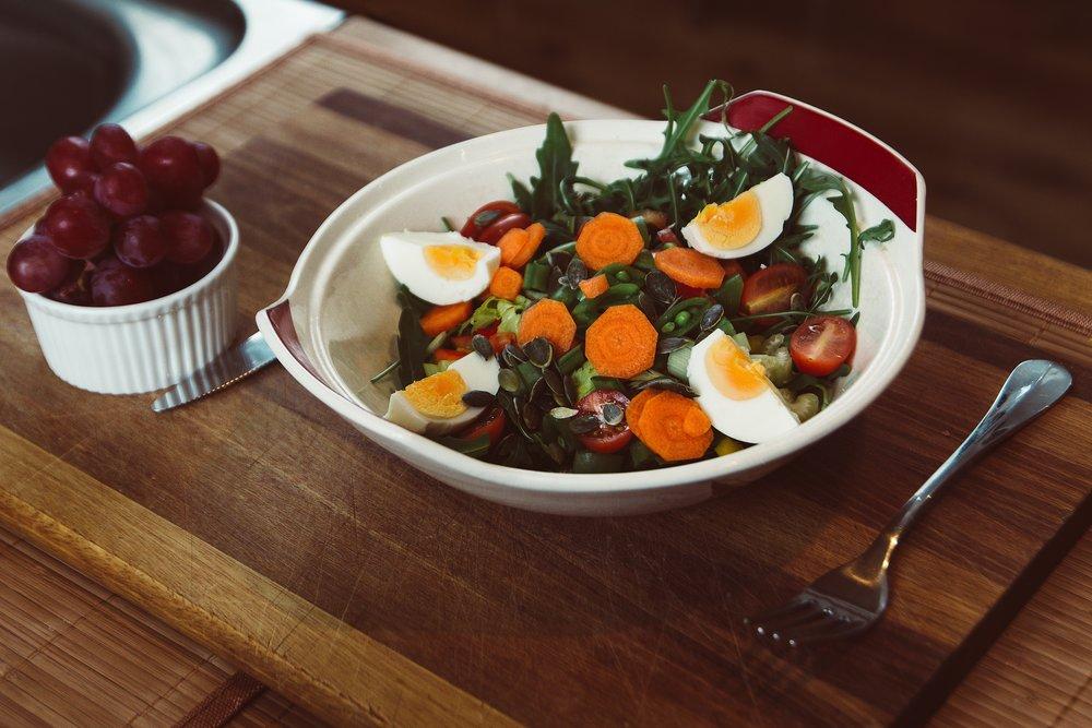 French - Salad nicoise (check no garlic or artichokes).