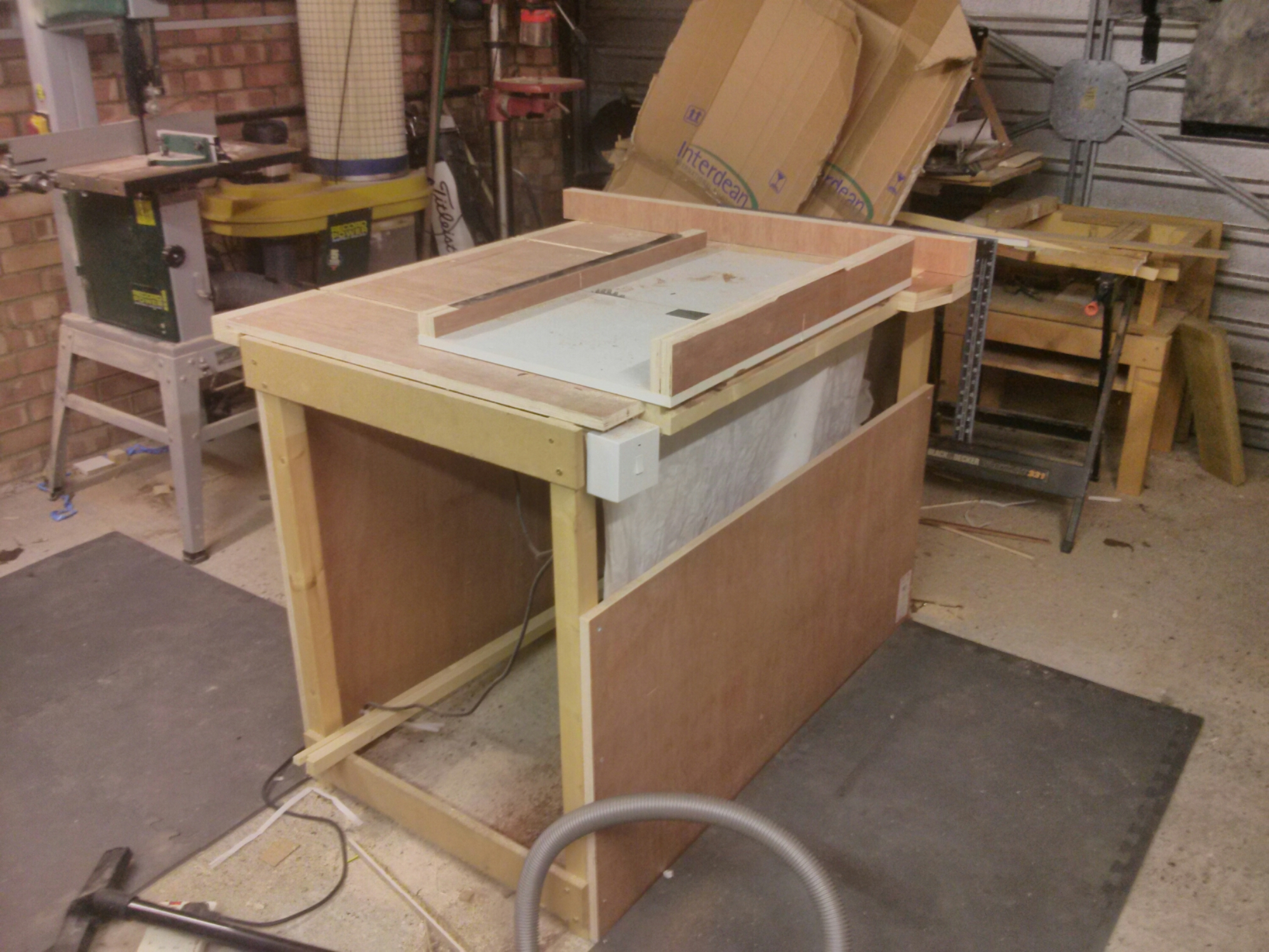 how to make a table saw stand