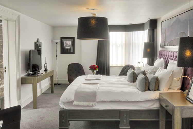 Hotel bedroom in Scotland with contract furniture and beds supplied by Select