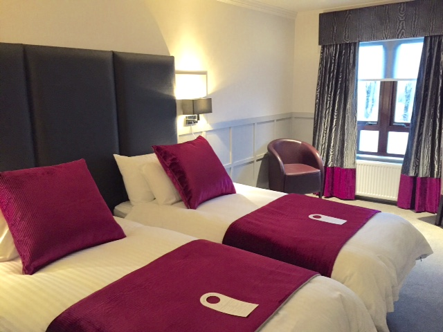 Twin beds in the hotel of Glyn Hill Scotland