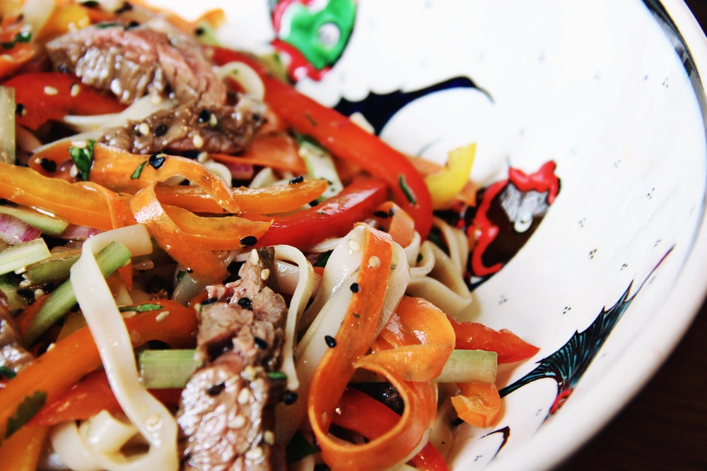 Thai sesame noodle salad with steak - The Pastiche