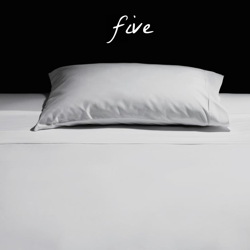 white-pillow-bed.jpg
