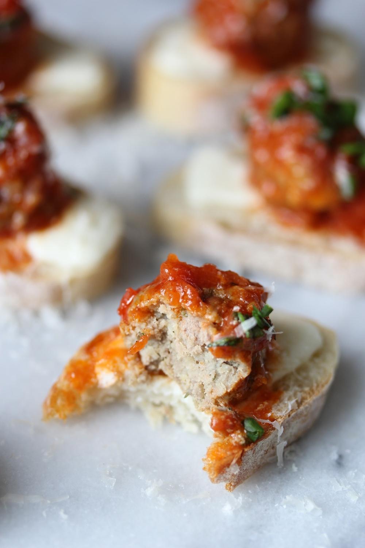Meatball sub crostini - The Pastiche