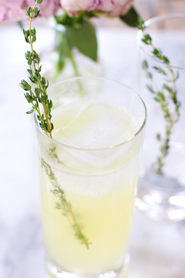 Gin+thyme+lemonade+-+The+Pastiche.jpg