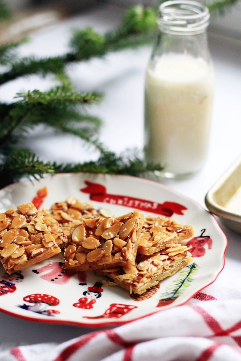 Almond brittle cookies for Christmas