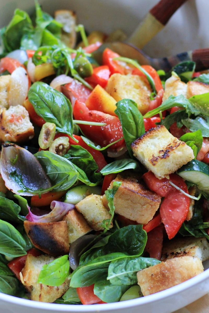 Last-of-summer-tomatoes panzanella