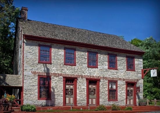 Colonial Crossroads Bed & Breakfast