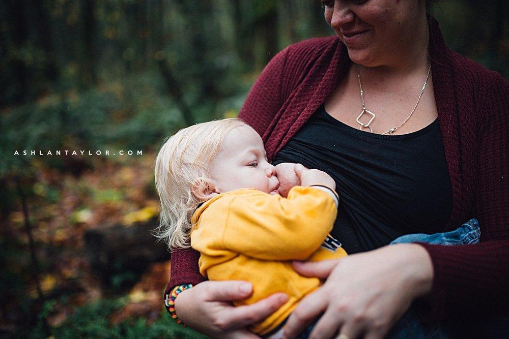 ashlan taylor portland birth photography breastfeeding