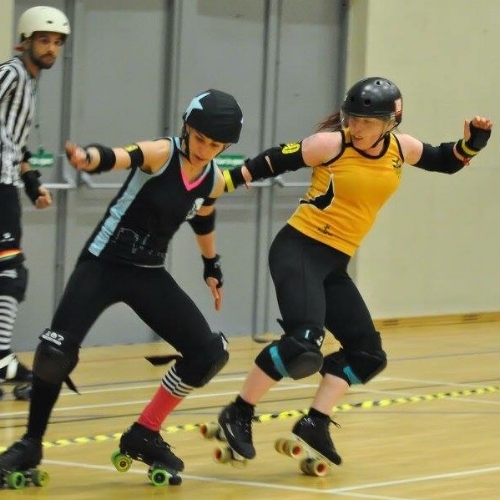 Devil's Advoskate tricked by a wily Dublin jammer; photo courtesy of Alastair McAleese.