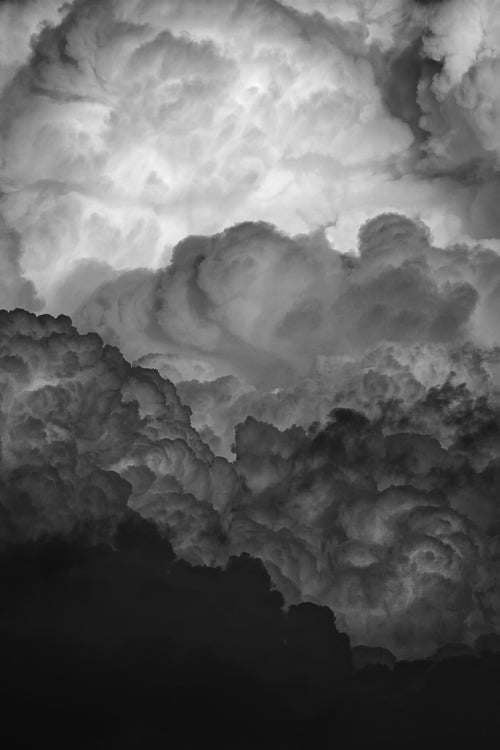 grvnge: clouds in grayscale