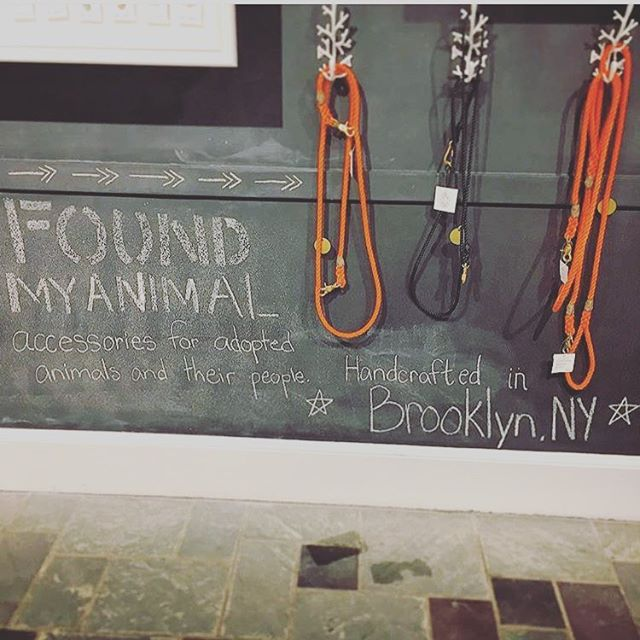 This photo is saying it all @foundmyanimal - donate ☝🏼 #foundmyanimal #support #giveback #purchasewithpurpose #brooklyn #nyc #ilovemypets