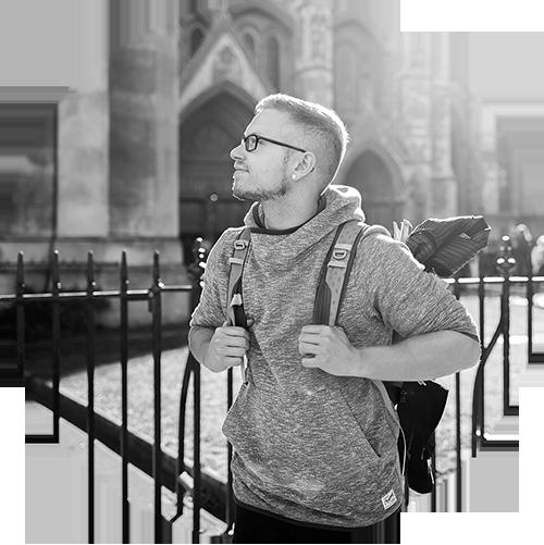 SVEN BAYER - Sven ist Fotograf durch und durch. Seinen Fokus legt er auf die Portraitfotografie und achtet besonders darauf die Natürlichkeit seines Motives nicht zu verlieren. Er liebt fremde Länder und Kulturen und fotografiert unvoreingenommen Orte und seine Bewohner um sich eine eigene Meinung über Lebensumstände machen zu können. Ständiger Wegbegleiter ist seine Nikon inklusive Festbrennweiten, welche seiner Meinung nach die schönste Bildwirkung erzeugen.www.svenbayer-fotografie.de