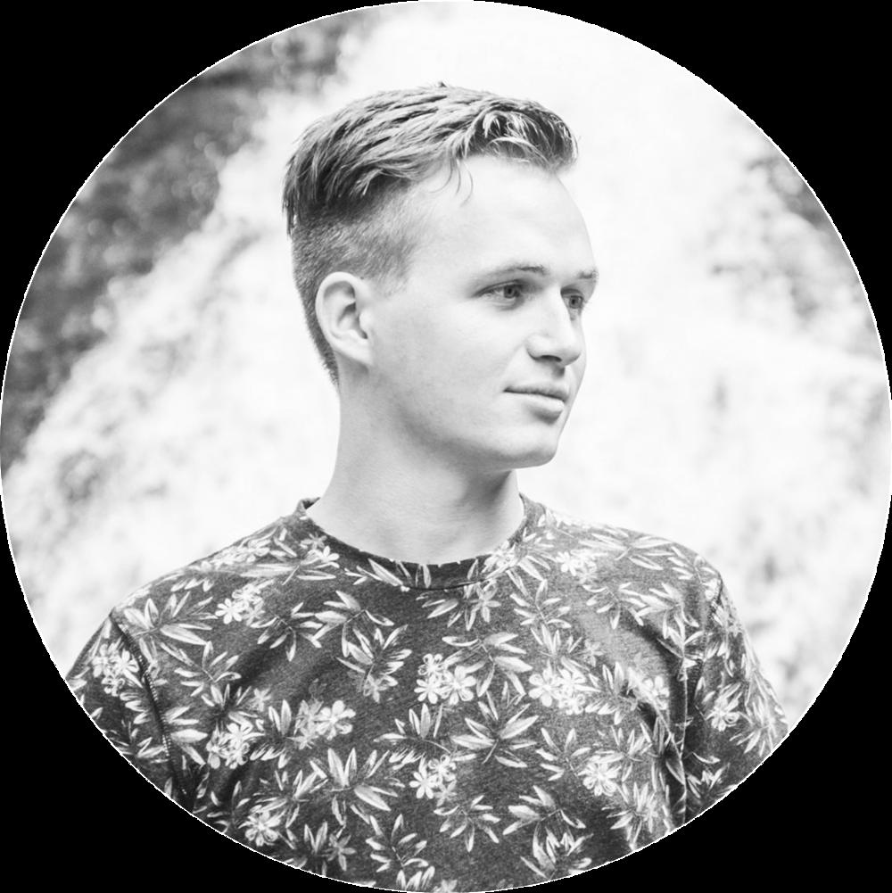 NIKLAS SIEMENS - Niklas weitere Arbeiten könnt ihr über seine WEBSITE oder INSTAGRAM verfolgen.