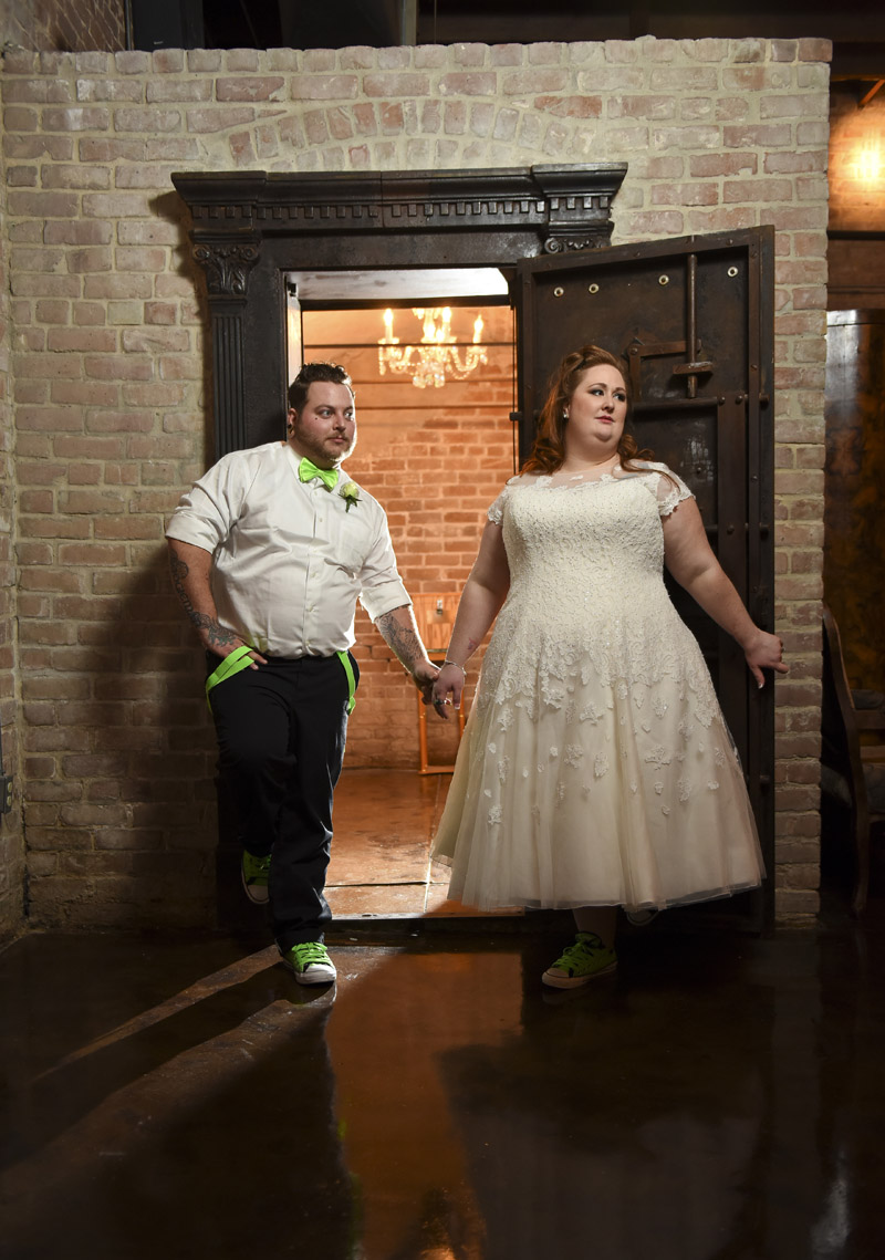 butlers-courtyard-wedding-venue-historic-houston-photos-bank-vault