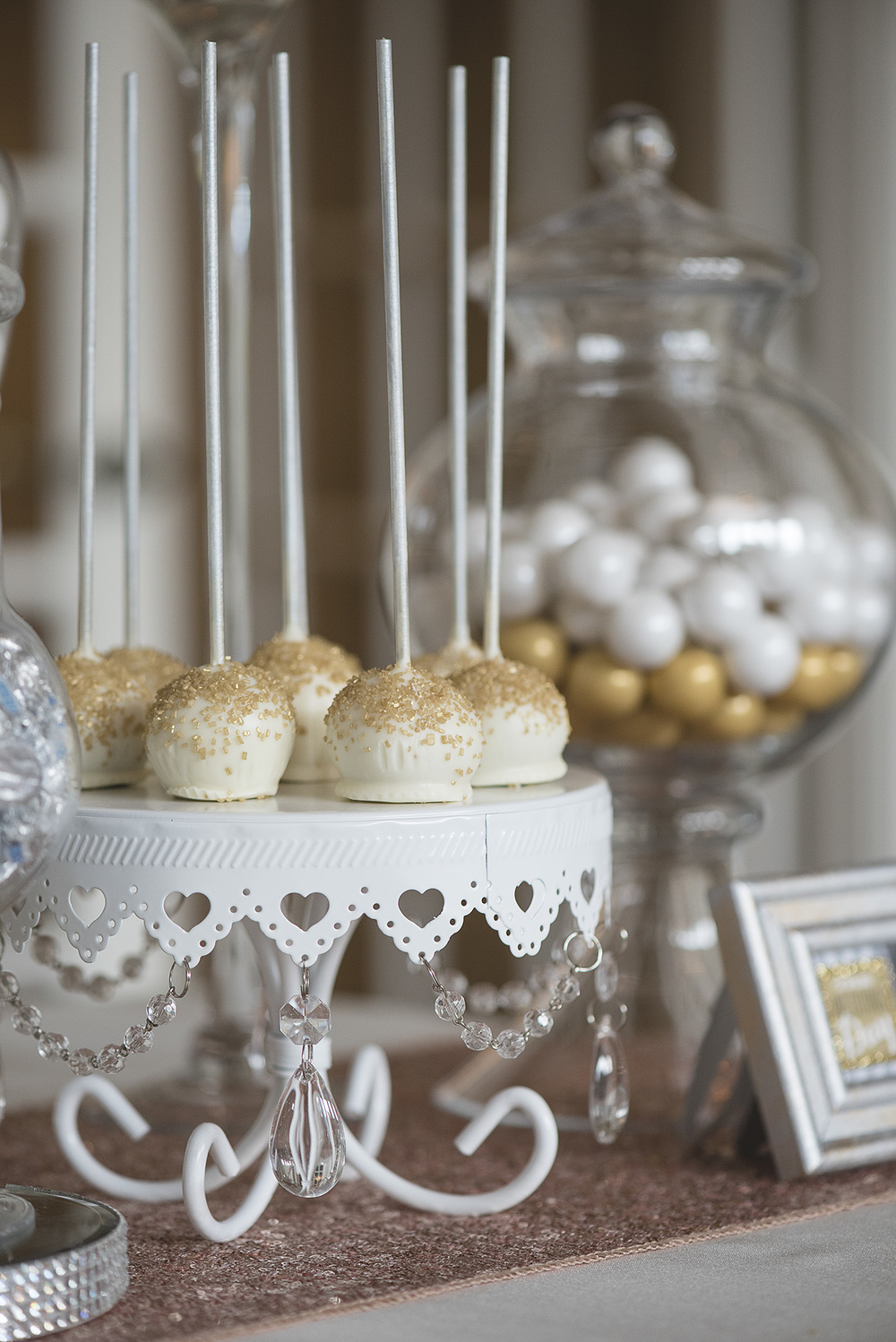 houston-sweetest-wedding-treat-cake-pops-photographer