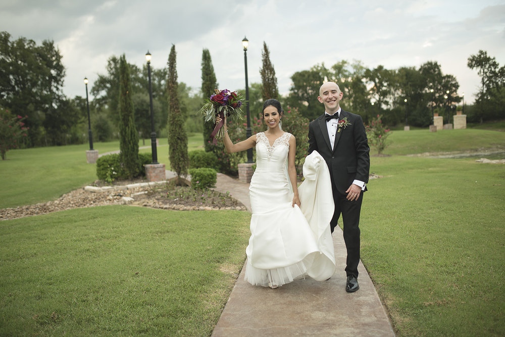 Houston-venue-Olde-Dobbin-Station-Romantic-Classic-Wedding-Photographer-091.jpg