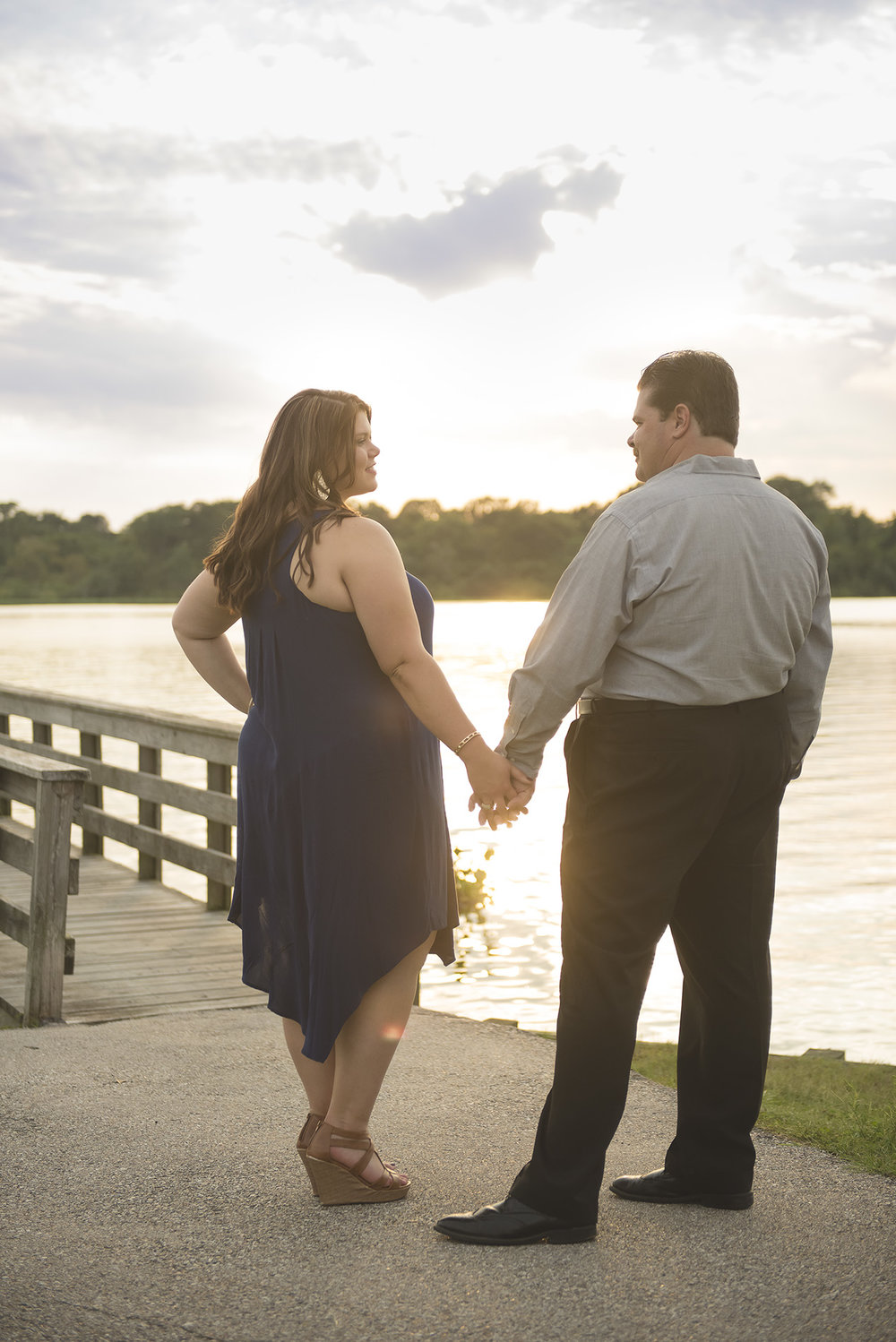 Clear-Lake-Engagement-Session-on-the-water