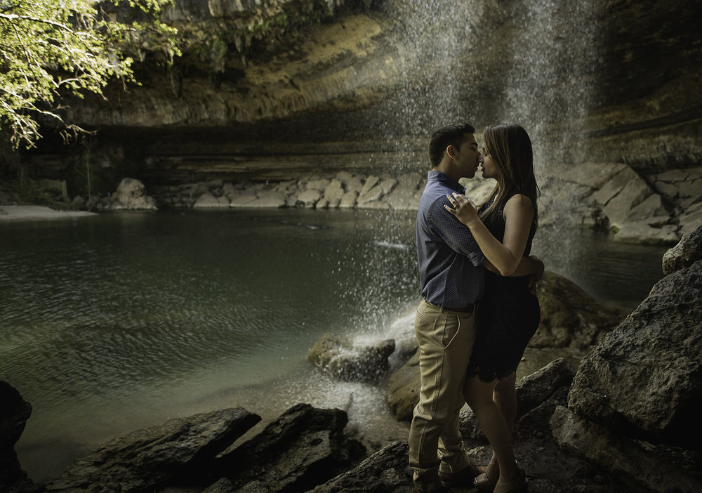 Houston-adventure-hamilton-pool-outdoor-engagement-session-photographer