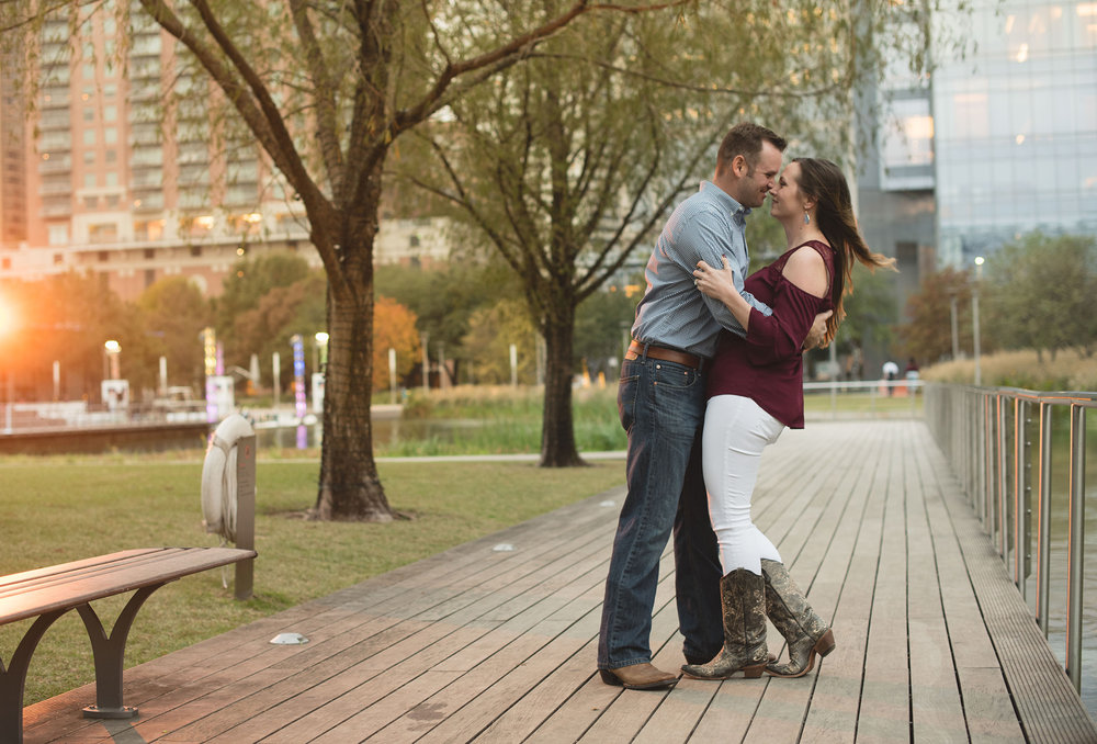 Houston-discovery-green-park-engagement-photography