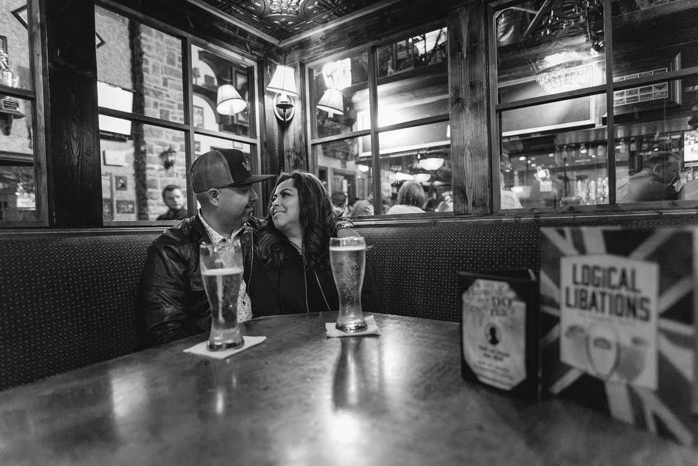 sugar-land-texas-baker-street-pub-intimate-lifestyle-engagement