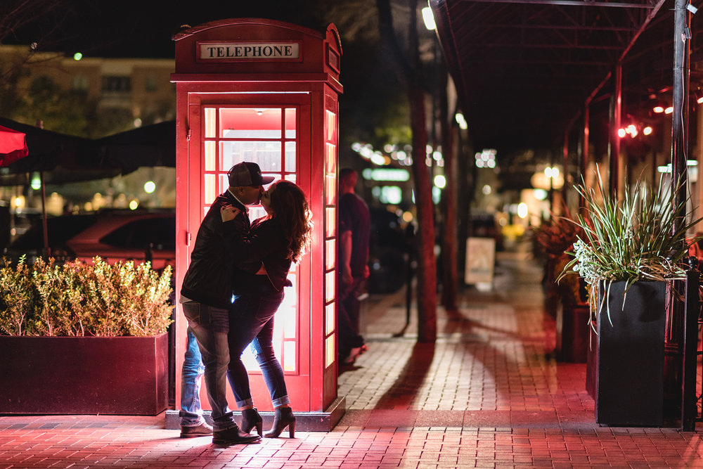 sugar-land-texas-baker-street-pub-intimate-lifestyle-engagement