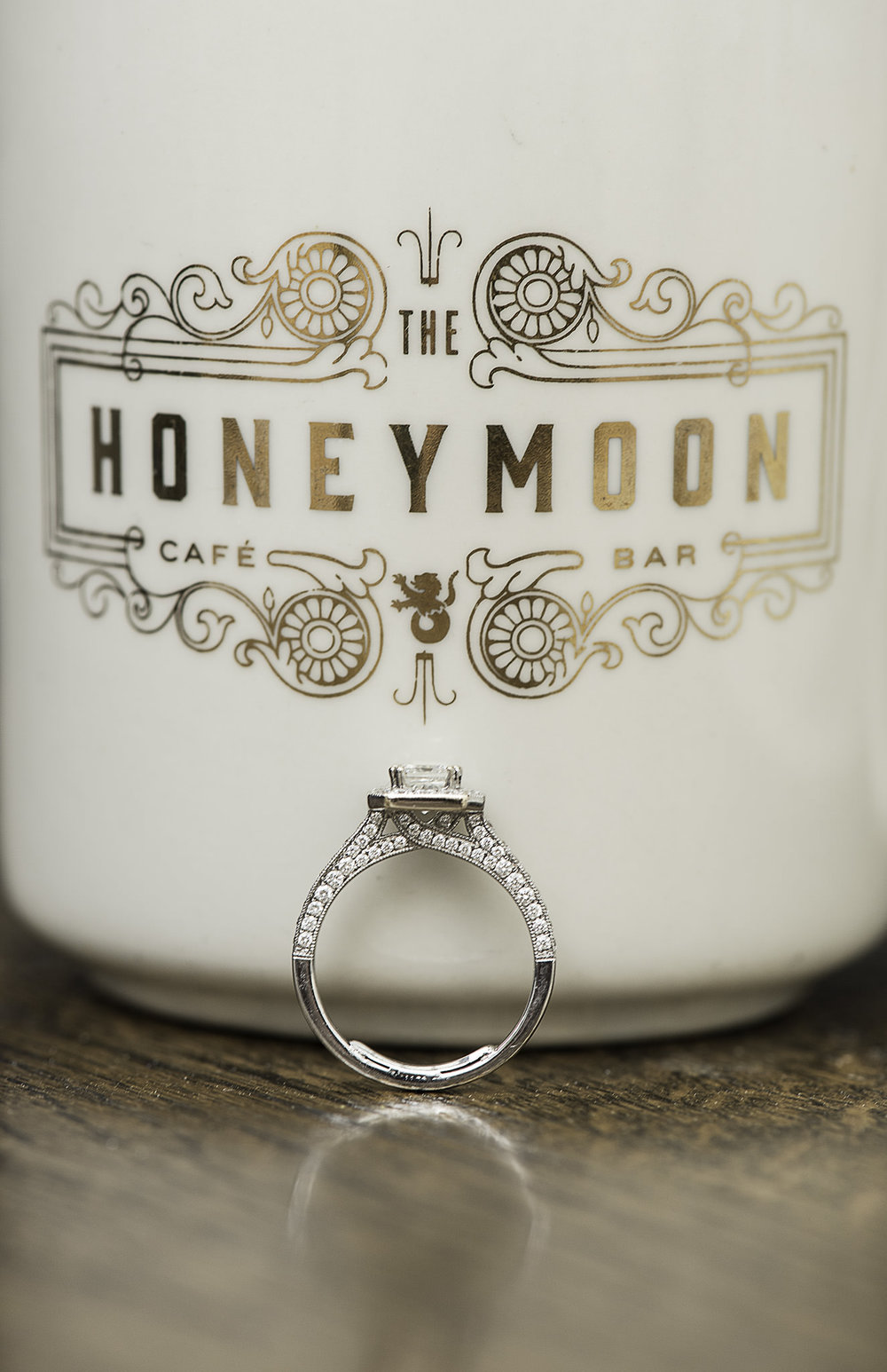 Houston-main-street-honeymoon-cafe-coffee-lifestyle-engagement-photography