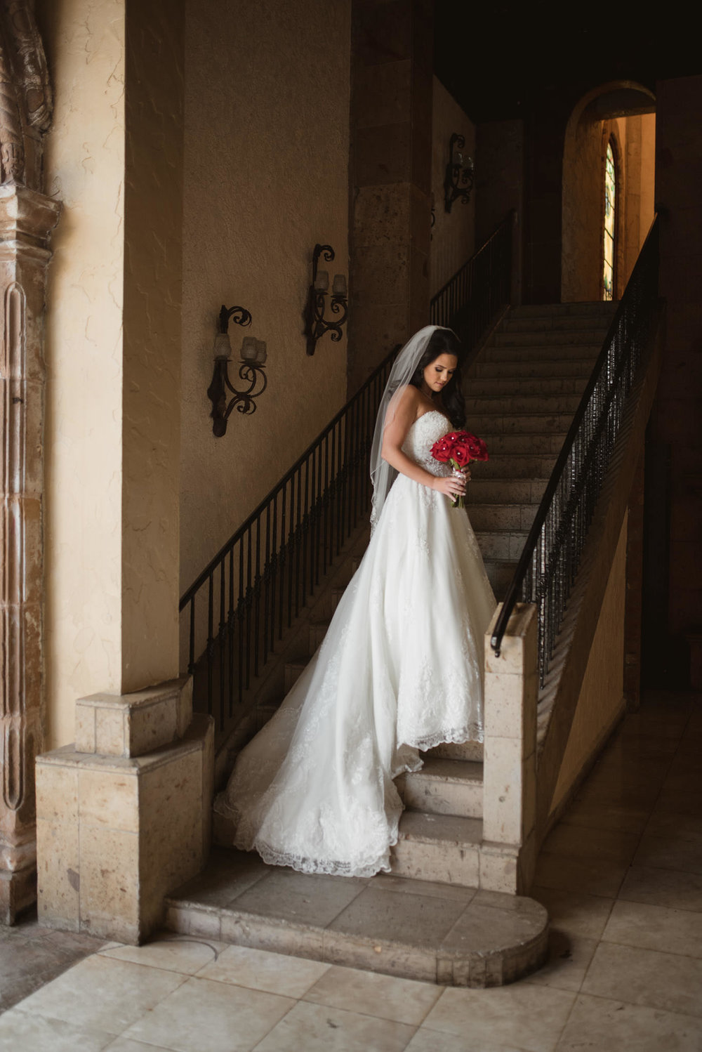 Las-Velas-Houston-tuscan-intimate-wedding-venue-photographer-bridal