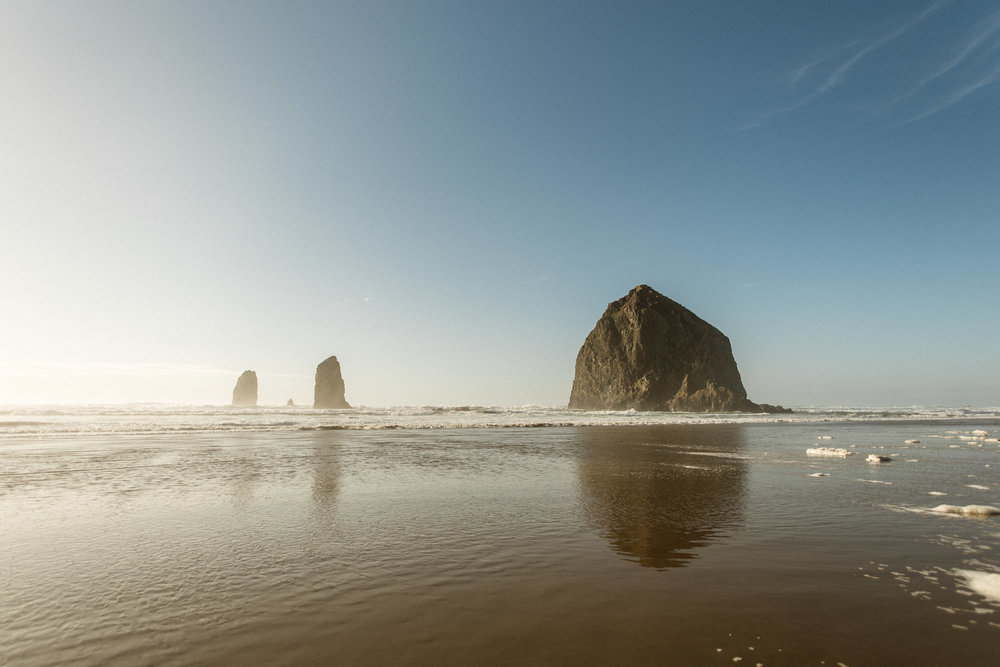 Cannon-Beach-Oregon-Adventure-elopement-engagement-photographer-1