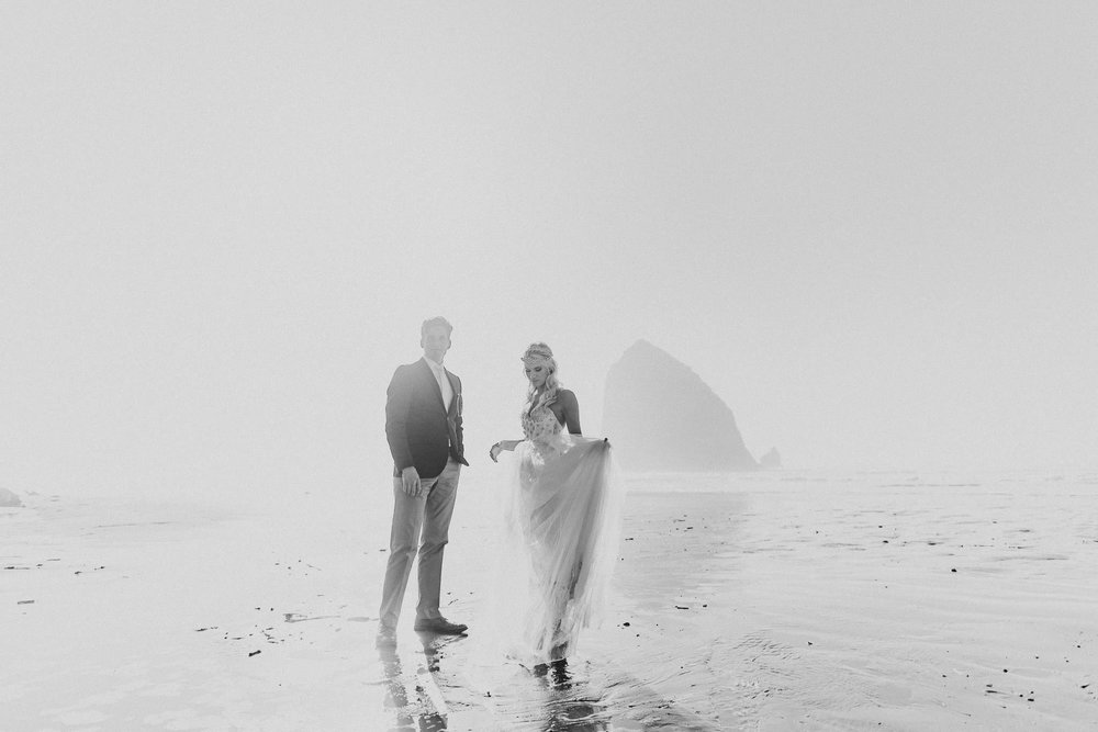 Cannon-Beach-Oregon-Adventure-elopement-engagement-photographer-haystack-rock-4
