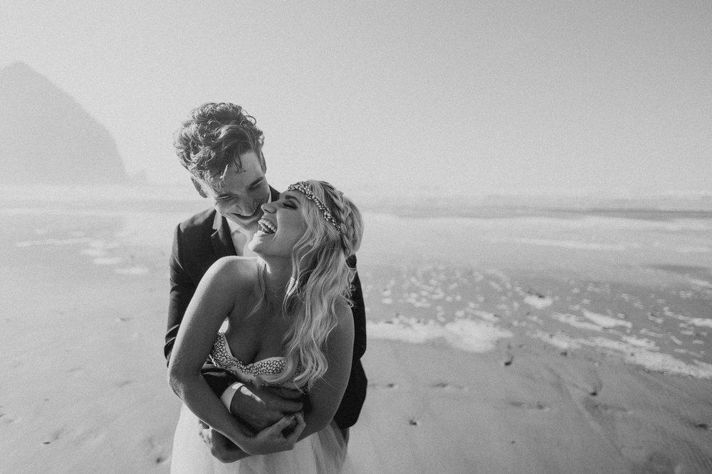 Cannon-Beach-Oregon-Adventure-elopement-engagement-photographer-haystack-rock-6