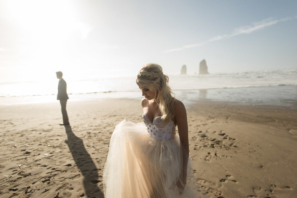 Cannon-Beach-Oregon-Adventure-elopement-engagement-photographer-haystack-rock-8